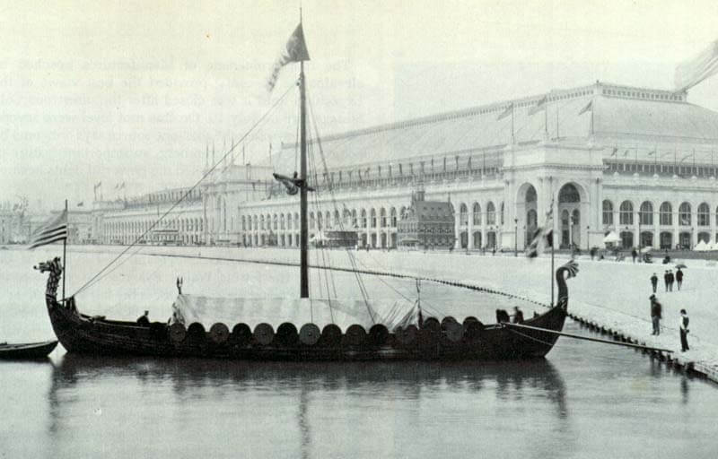Viking,_replica_of_the_Gokstad_Viking_ship,_at_the_Chicago_World_Fair_1893